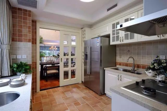 news-What color is good for the kitchen door-Runcheng Chuangzhan-img