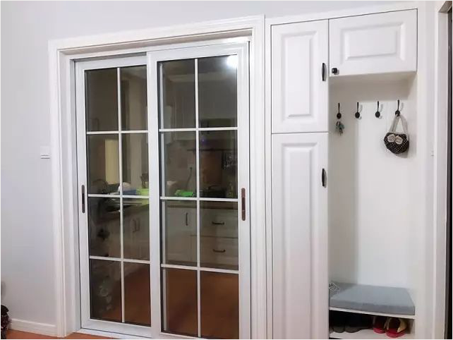 news-Runcheng Chuangzhan-What color is good for the kitchen door-img-3